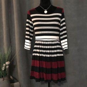 B. Smart 3/4 Sleeve Striped Short Dress, Size L